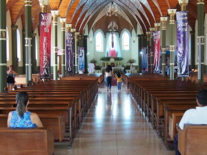 Inside the church between the 9 and 11am masses. The mass at 9 was full and it was overflowing out the doors at 11.